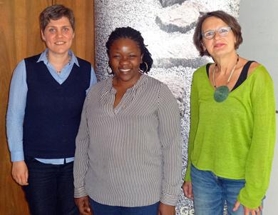 Bild: Dr. Annette Wiesheu (missio-Diözesanstelle Mainz), Thérèse Mema (Sozialarbeiterin und Therapeutin aus dem Kongo) und Anette Diehl (Frauennotruf Mainz)