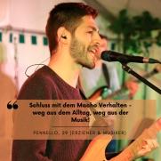"""Ein Mann im Profil singt in ein Mikrophon. Darüber steht die Aussage: """"Schluss mit dem Macho Verhalten - weg aus dem Alltag, weg aus der Musik!"""" Pennello, 29 (Erzieher und Musiker)"""